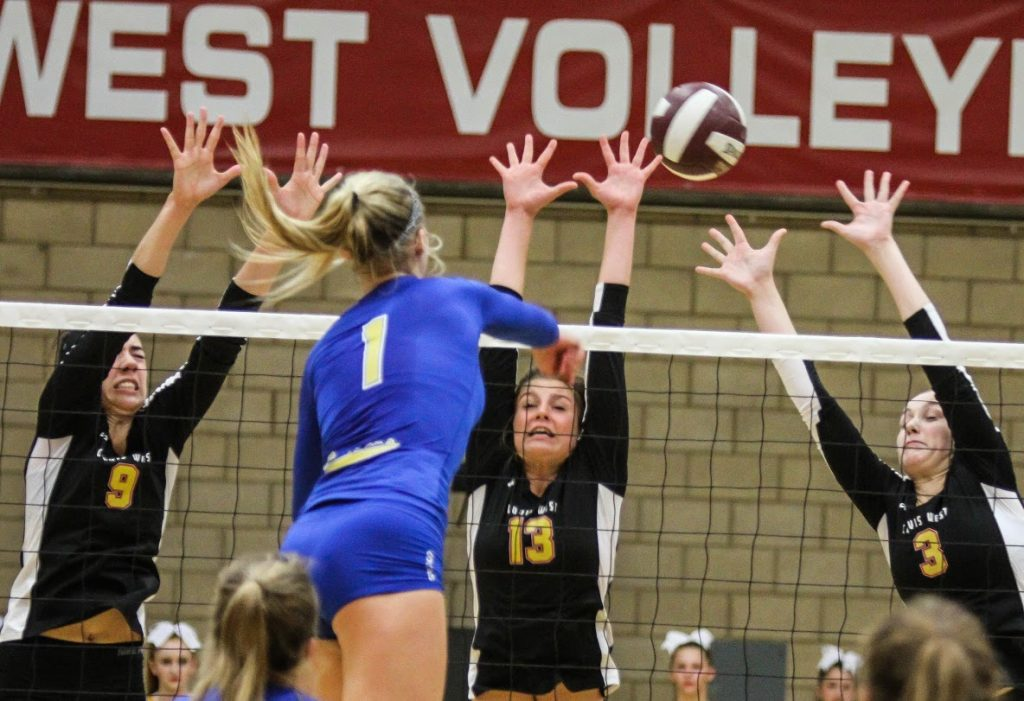 Clovis Volleyball Beats Clovis West Teams Tie For Trac Lead